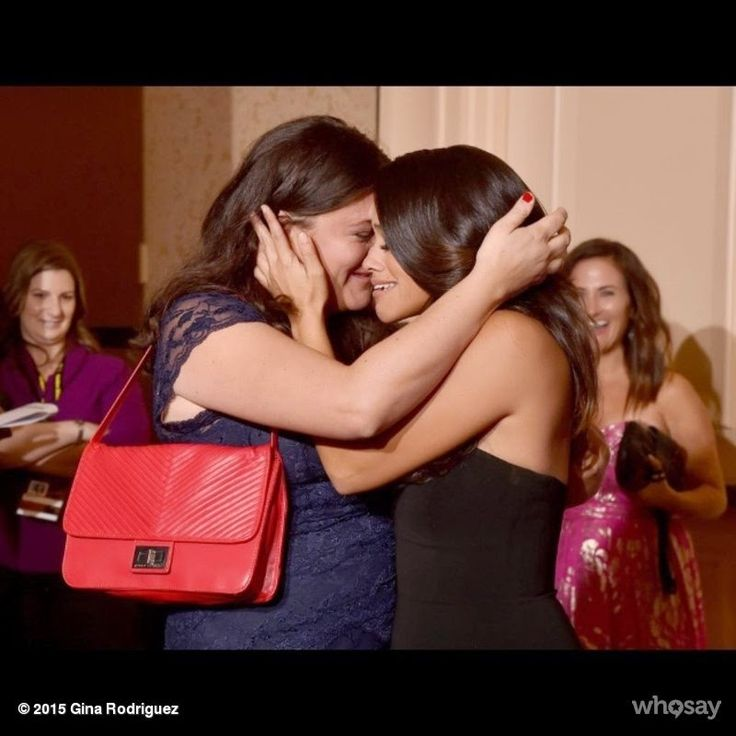 Chatter Busy: Gina Rodriguez Shares Emotional Photo With Sister After Golden Globes Win
