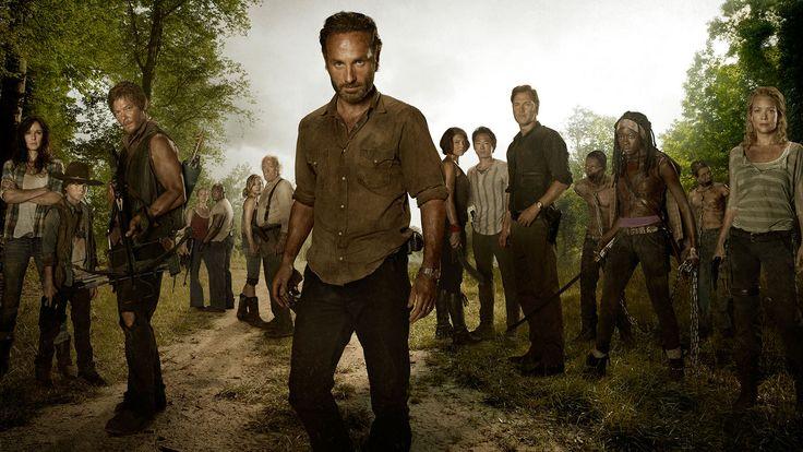 En el alba de un apocalipsis zombi, los sobrevivientes se aferran a la esperanza de la humanidad uniéndose para librar una batalla por su supervivencia.