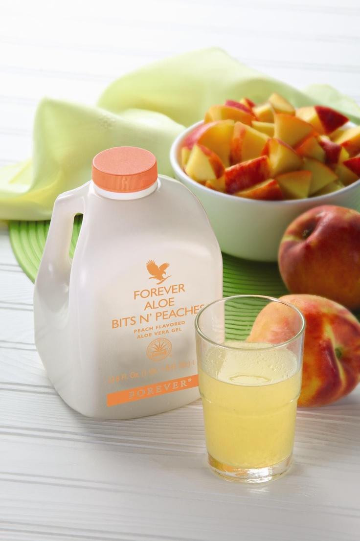 Aloe Bits N' Peaches.  En fruktig smaksensation! Aloe Bits n' Peaches är precis vad den heter: en Aloe vera-dryck med somrig smak av solmogna persikor och små bitar av Aloe vera – ekologiskt odlad, så klart.