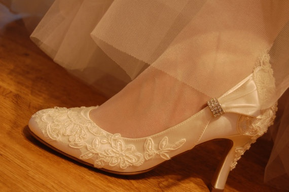 Satin lace heels: Lace Weddings, Lace Wedding Shoes
