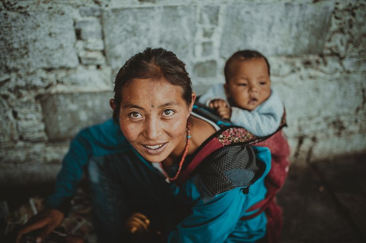 7 touchy images of Moms worldwide & a Contest to celebrate Mother's Day
