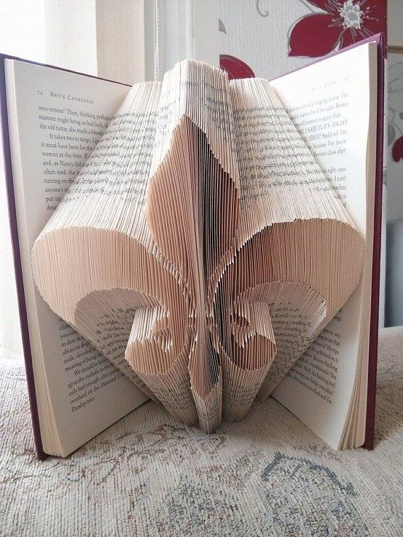 Book Folding Pattern for Fleur De Lis by BookFoldingForever