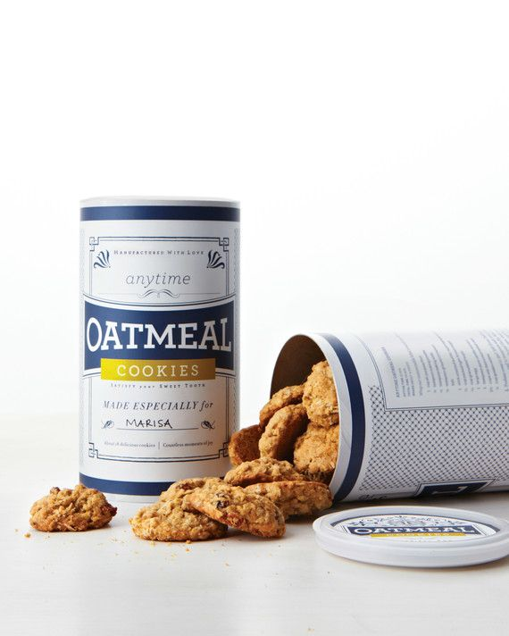 Print our customizable clip-art labels and adhere them to an 18-ounce oatmeal canister for easy gift-giving. (And keep a few for yourself, too.)