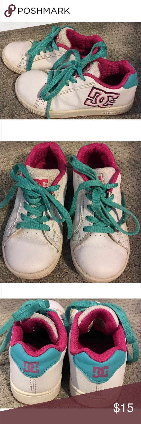 DC SKATE SHOES, SZ YOUTH 13, LEATHER w/DC LOGO DC BRAND KIDS SKATE SHOES.                          SZ YOUTH 13.                                               BASE WHITE LEATHER WITH MULTI-COLORED (HOT PINK &TEAL) LEATHER BLOCKING.                                        HAS EMBROIDERED DC LOGO.                              BRIGHT COLORS AND A NICE PAIR OF SHOES. DC Skate  Shoes Sneakers