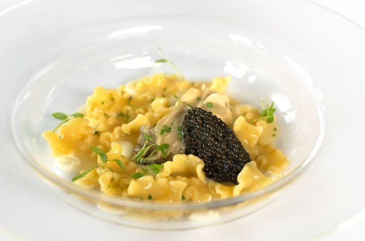 Mafaldine con crema acida, ostriche e caviale Beluga - Chef Chicco Cerea