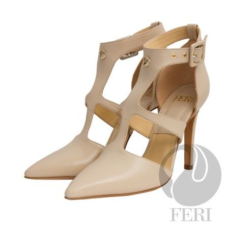 FERI - SIMONE - SHOES - Cream Beige Price                                  $936 Canadian Dollars Product #                           FSH-5853 Product Category              FERI Shoes - Napa leather pump with stiletto heel - Napa leather sole and insole - Colour: Beige - FERI logo hardware on sole and front of ankle - Heel height: 4.5 inches Invest with confidence in FERI Designer Lines.                                                                                           Perches from My…