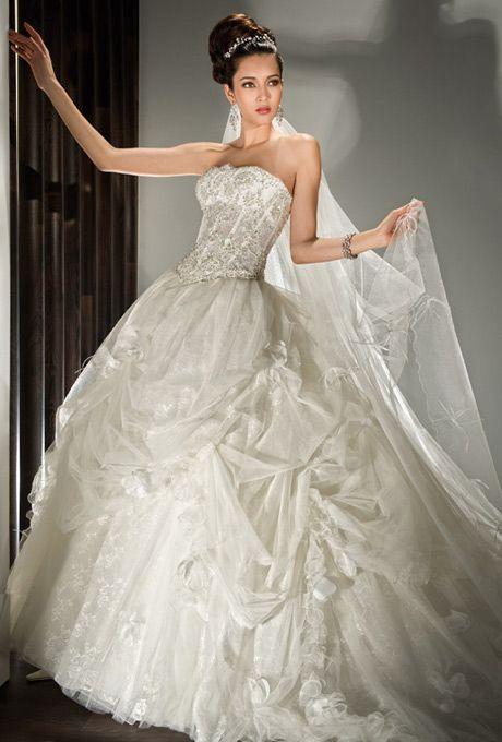 Brides: Demetrios - Young Sophisticates
