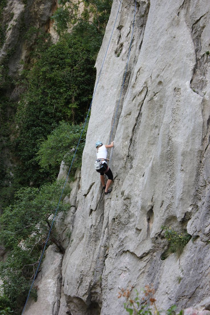 Croatia rock climbing holidays in Paklenica Flickr image by NH53
