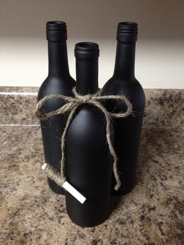 cute chalkboard wine bottle with twine tied chalk table