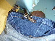 Achei muito interessante postar esse passo a passo para fazer barra da calça jeans original,muita gente tem curiosidade de como fazer.   ...