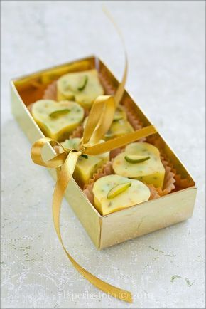 Конфеты из белого шоколада с лимоном и фисташками