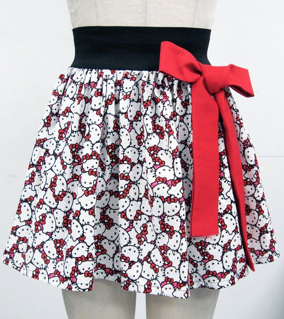 Ahhh this skirt. I would so wear it. Would be better in pink though.