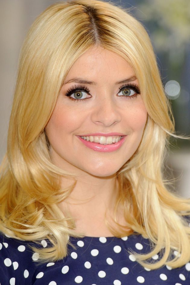 This mega-lash mascara used by Holly Willoughby...