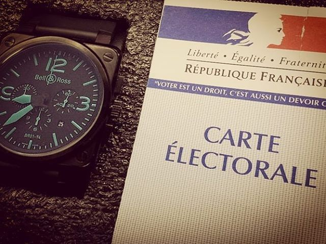 REPOST!!!  7 mai ! 🇫🇷 #Watch  #watchporn #work  #passion #luxury #nancy #watches #fashion #luxe #brand #tourbillon #horloge  #design #instalove #insta #br0194 #br #bell #ross #bellross #limited #edition #armeedelair #army #bleu #elections #presidentielles #france #votez  Photo Credit: Instagram ID @aldriic_
