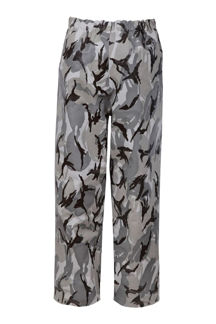 CAMO WATERPROOF WAIST TROUSERS Model: 112/CAM The model is made on Camo colours and offers you camouflage stage. The trousers are made of waterproof PVC/cotton fabric. The product is recommended for use under extreme weather conditions, during hunting and fishing activities and also during other outdoor works. The coat offers you a good protection against rain and wind. Thanks to double welded seams with high frequency current, the seams are very strong and waterproof.