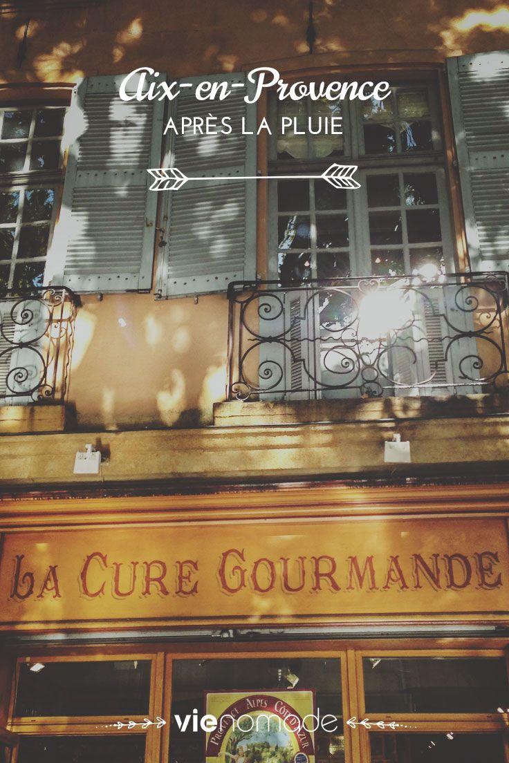 """""""J'ai une carte avec moi, mais elle ne sert qu'à nous rassurer, car je sens la ville, je sens le petit coeur vibrant de Aix battre et m'attirer."""" Je ne me fatiguerai jamais du charme des villes de Provence 😍"""