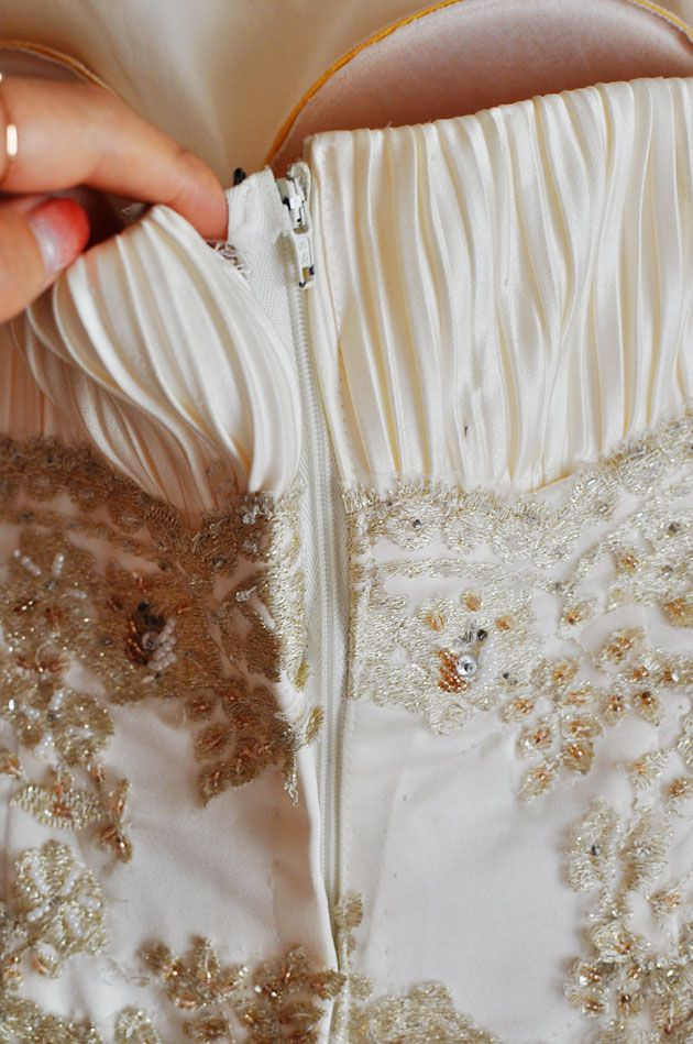 How To Alter The Back Of A Dress That Is Too Small To Zip Up Vivat Veritas Dress Alterations Wedding Dress Backs Diy Corset