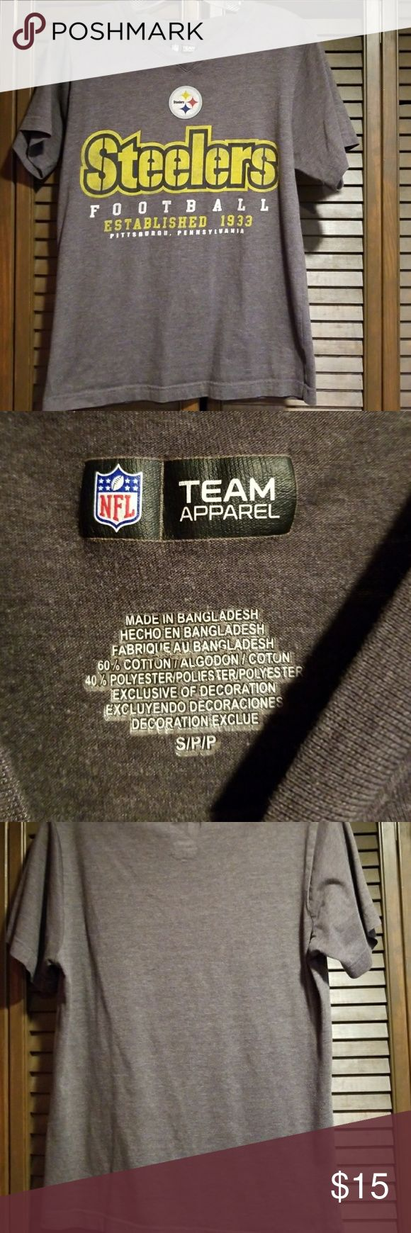 Steelers t-shirt Lightly worn, in very good condition just doesn't fit me anymore. I bought it from the NFL website nfl Tops