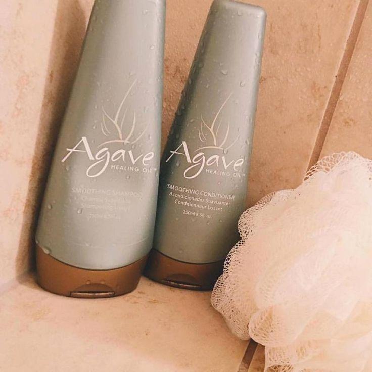 """Semplici shampoo e conditioner? Per niente! Agave Shampoo e Agave Conditioner sono un vero e proprio trattamento anticrespo per tutti quei capelli """"elettrici"""" e con scarsa idratazione, perché contengono i veri estratti naturali della pianta di agave azzurra. In salone come a casa, scegli la forza della Natura!"""