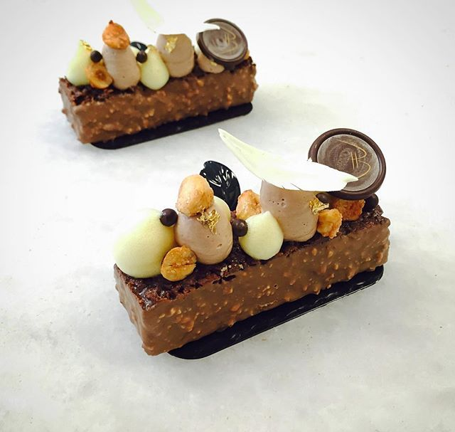 Hazelnut financier petit gateaux at @bachour_bb #chefsroll #Bachour #bachourchocolate #bachourchocolatebook #bachoursimplybeautiful #chocolate #theartofplating #chefstalk #chefsofinstagram #gastroart #antoniobachour #bachour1234