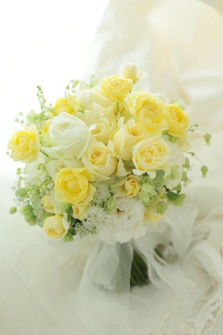 クラッチブーケ アンダーズ東京様へ レモンイエローのバラ、幸せな気持ちの画像:一会 ウエディングの花