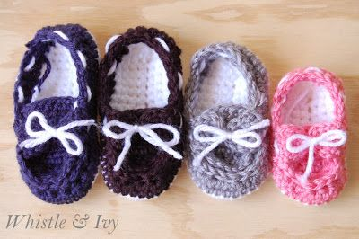 Crochet baby boy or girl boat shoes booties free pattern