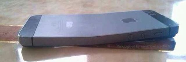 iPhone 5s Bends Like Its Predecessor Apparently [Rumor]