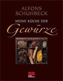 """Wenn es um Gewürze geht, ist Spitzenkoch Alfons Schuhbeck ganz in seinem Element: Jetzt präsentiert er sein neues Kochbuch """"Meine Küche der Gewürze""""."""