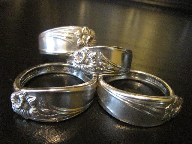 Silver Napkin Rings Holders Silverplate Silverware Rings Vintage Flatware Daffodil Pattern. via Etsy.