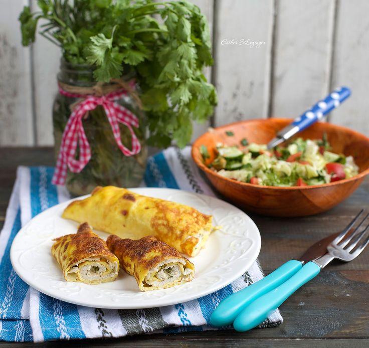 Простое блюдо, но получается очень изысканный и нетривиальный диетический полезный обед: бризоль из курицы. Готовить довольно просто, никаких особых ингредиентов не требуется. Если не добавлять чеснок