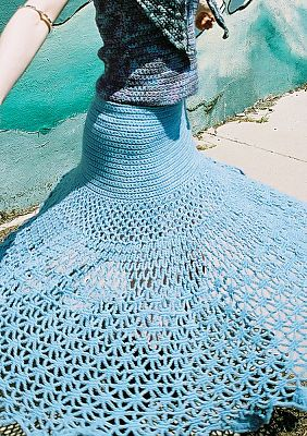 WOW!! This is gorgeous!! FREE Spiderweb Skirt Crochet