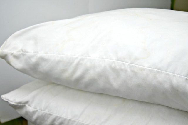 How to Clean Bed Pillows | eHow
