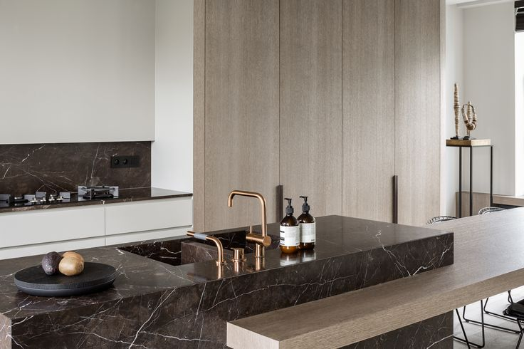 hullebusch natural stone | tempory brown - honed and brushed | design by JUMA architects