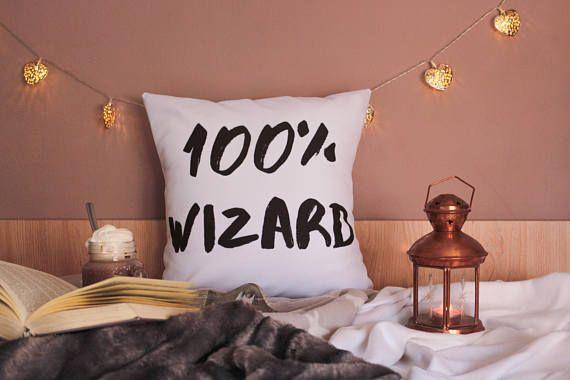 100%wizard from Harry Potter. Get it from our Etsy store: https://www.etsy.com/es/shop/SeasonalVibe?ref=seller-platform-mcnav