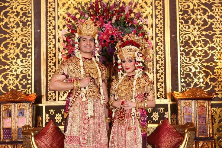 Pernikahan Adat Palembang Elegan Ala Anjani dan Randy - RR19