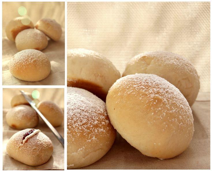 Delicioso bollos que rellenos de nata y mermelada de cerezase convierten en un bocado exquisito.    BOLLOS DEVONSHIRE   Ingredientes:   300...