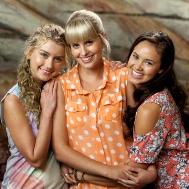 Mako Mermaids - Season 2 promo pic