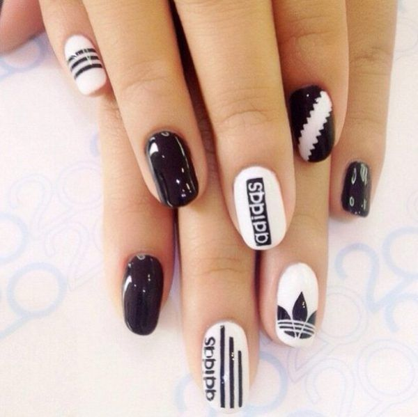 30 Super Kreative Schwarz-Weiß Nail Art Designs