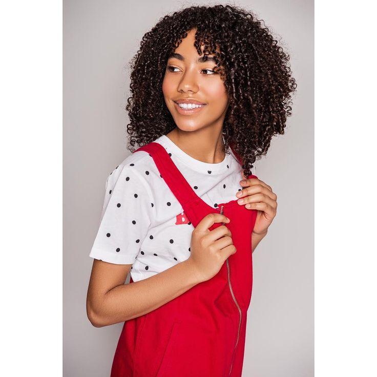 Looking back at the week like… ba-bye!! It was a great one though!  Enjoy your Memorial Day weekend everyone.❤️😬🏄🏽♀️😎 Photo & Styling @lizlinett •  HMUA @beautybyalexb . . . . . . #balenciagamama #printmodel #curlyhair #curls #naturalhair #blackgirlmagic #actress #teenactress  #model #modellife #commercialmodel #fashionmodel #teenmodel #mochamagazine #halyconkids #sandcastle_mag #teenqueen #nycteenmodel #lizlinett #beautybyalex #zurimodelandtalent #akiragolz #fashion #nycfashion #fashionp