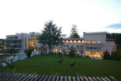 Pazo Los Escudos Hotel & Resort, situado en #Vigo (Pontevedra). Con #Wonderbox puedes #disfrutar de una noche en habitación doble #superior con desayuno #buffet ¡Aprovecha tu #WonderPlan! #RealizamosTusSueños #exclusivo #Pazo #Hoteles5Estrellas