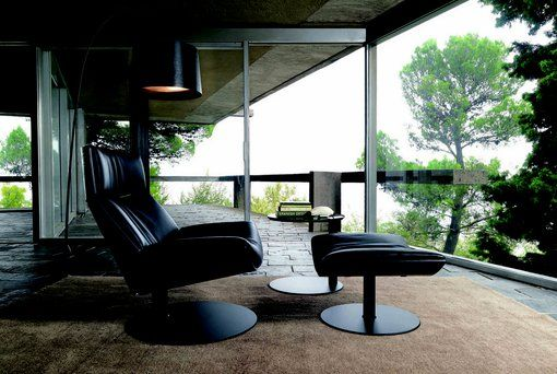 Relax w klasycznym wydaniu  #armchair #black #elegant #italianstyle