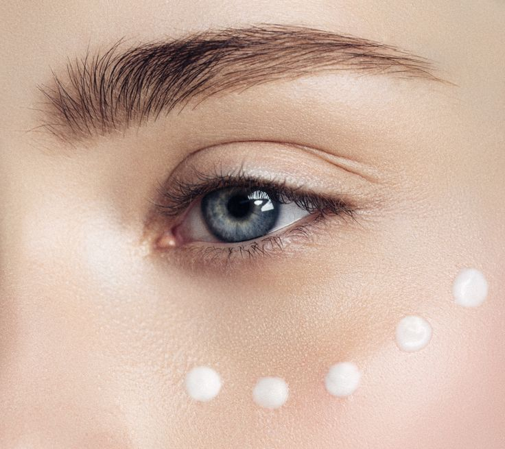 Belif's new Moisturizing Eye Bomb is currently the best-selling eye cream on Sephora.com. Find out why this k-beauty product has been so popular since it launched at the beginning of the fall.