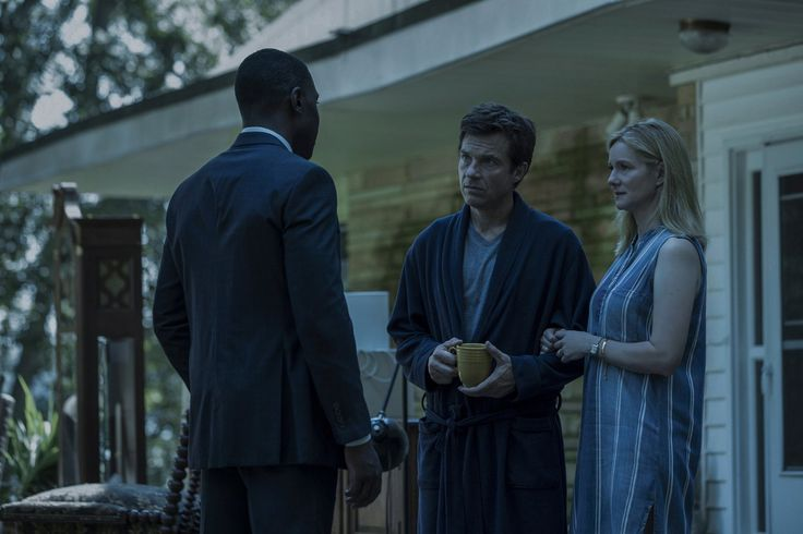 Jason Bateman, Laura Linney and McKinley Belcher III in Ozark Netflix Series (3)