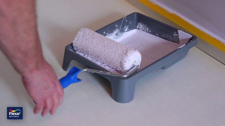 Zien waar je gebleven bent met witten:  Met de Flexa Powerdek Magic Dry kun je nog makkelijker je plafond witten of je muren fris wit verven. Dankzij de roze stof (die verdwijnt na 60 minuten drogen) kun je tijdens het schilderen goed zien waar je gebleven bent. Dit helpt je om bij het verven van wit op wit te zien waar je bent gebleven en voorkom je plekken en strepen. Daarmee kun je ook bij schemer- of kunstlicht zien wat je al voorzien hebt van witte muurverf. Kan je 's avonds langer…