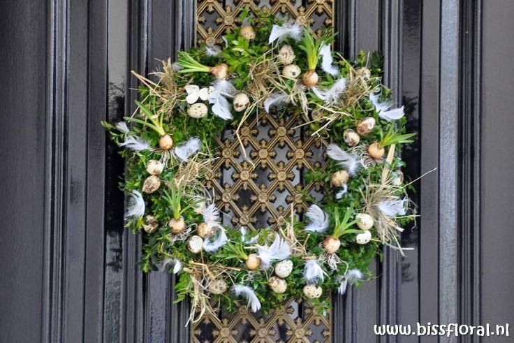 Biss Floral   Bloemen, Workshops en Arrangementen   Bloemschikken Workshop Arrangement Bloemen Decoratie Kerst Pasen Voorjaar Lente Moederdag Abonnement Bruidswerk Interieur Rouwwerk Grafwerk Bloemwerk