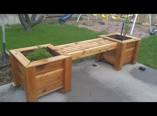 17 Best ideas about Cedar Planter Box on Pinterest Planter boxes