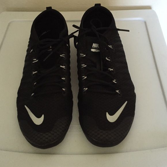 Like New black 6.5 Nike Trainers Worn once, size 6.5, black Nikes Nike Shoes Sneakers