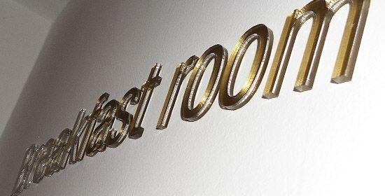Lézervágott plexi felirat / Laser-cut plexiglas decoration
