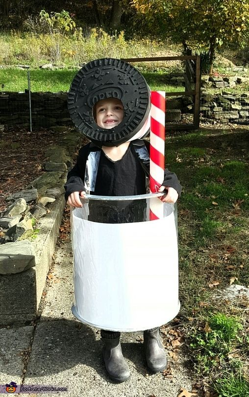 Oreo and a Glass of Milk Costume - Halloween Costume Contest via @costume_works