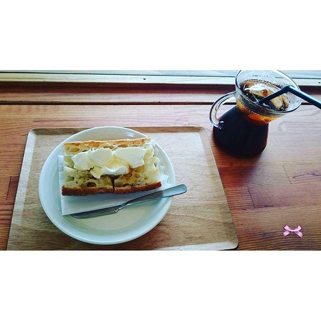 【rei_o24】さんのInstagramをピンしています。 《今日の#lunchtime  は#Frenchcoffeefunclub  さんへ☕ * * * #coffee#cafe#エチオピア#ice#バケット#クリームチーズ#はちみつ#絶妙#フレンチコーヒーファンクラブ #桜#宇都宮#宇都宮カフェ#カフェ部#カフェ巡り#カウンター#素敵 なお客さんとお話も#ランチ だけど#おやつ みたい(笑)》